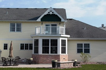 Porch and sunroom additions adams design construction ltd for Second floor sunroom